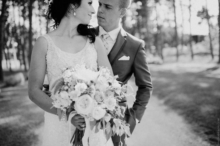 A classic bride and groom in black and white