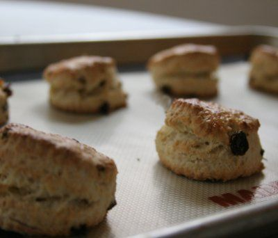 10 Step Tutorial on How to Make Scones: Bake At 400F For 15 Minutes