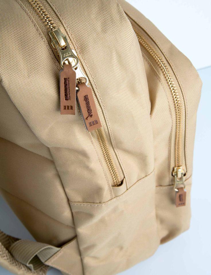 Back pack beige 3