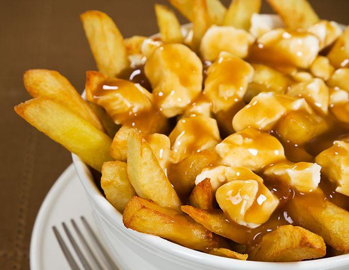 Tel que vu à l'émission L'Épicerie, diffusée le 10 avril 2013, L'Anarchie Culinaire vous suggère cette recette de sauce à poutine maison.