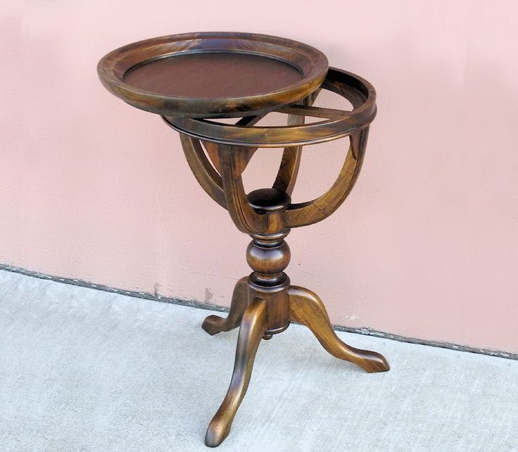 A classic goblet base  tea table features a removable serving tray top, a perfect furniture piece for the service of drink and serves a convenient side table.