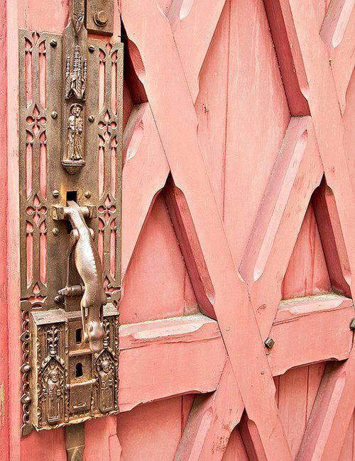 pink sorbet door ~ Paris, France