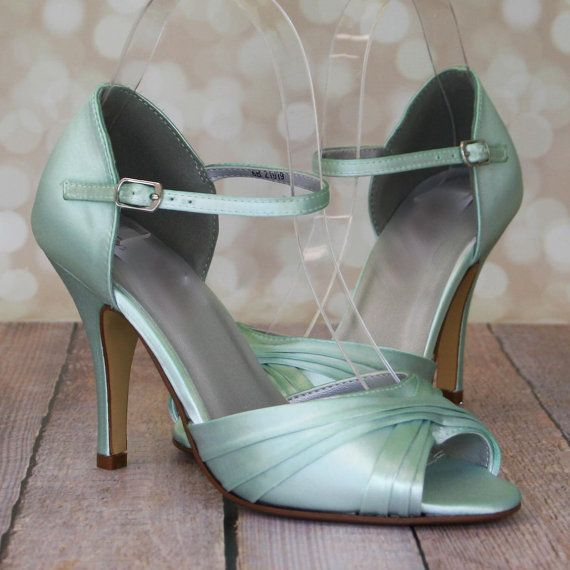 Chaussures de mariagementhe verte Peep Toe par EllieWrenWeddingShoe