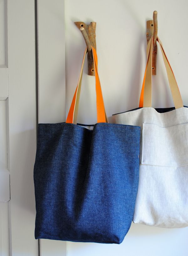 The 40-minute tote. If I could ever get a sewing project finished, I would like to make one of these. It only takes 1/2-yard of each fabric, so I could spring for something really cool.