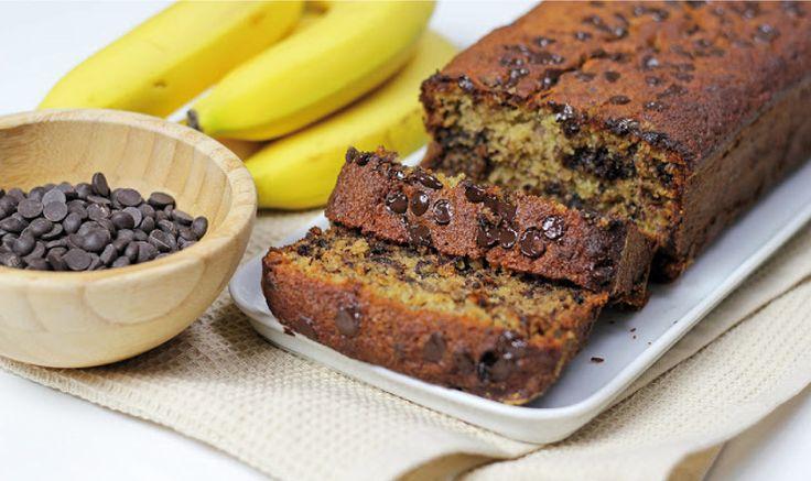 Ένα υπέροχο κέικ με μπανάνα και σταγόνες σοκολάτας