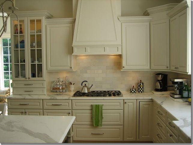 Kitchen: colors, cabinets facades | Cream kitchen cabinets ...