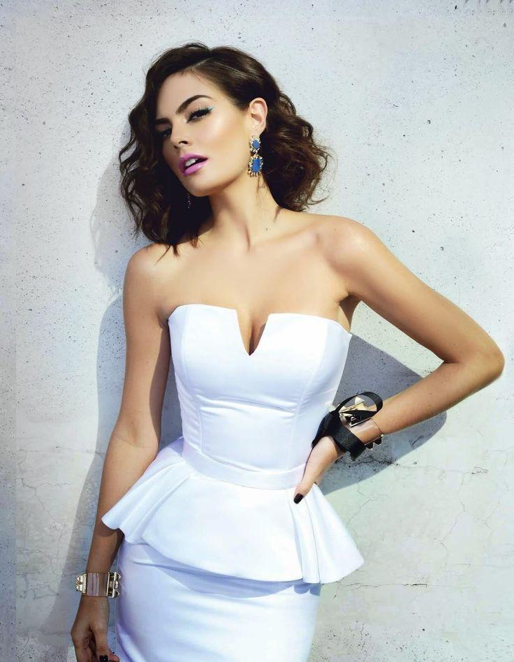 Entra y conoce a la hermosa Ximena Navarrete [FOTOS]