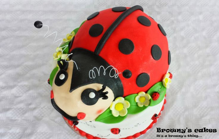Browny's Cakes : How to make a ladybug cake topper