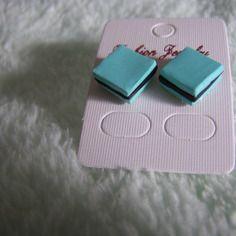 Boucles d'oreille puces bonbon reglisse miniature