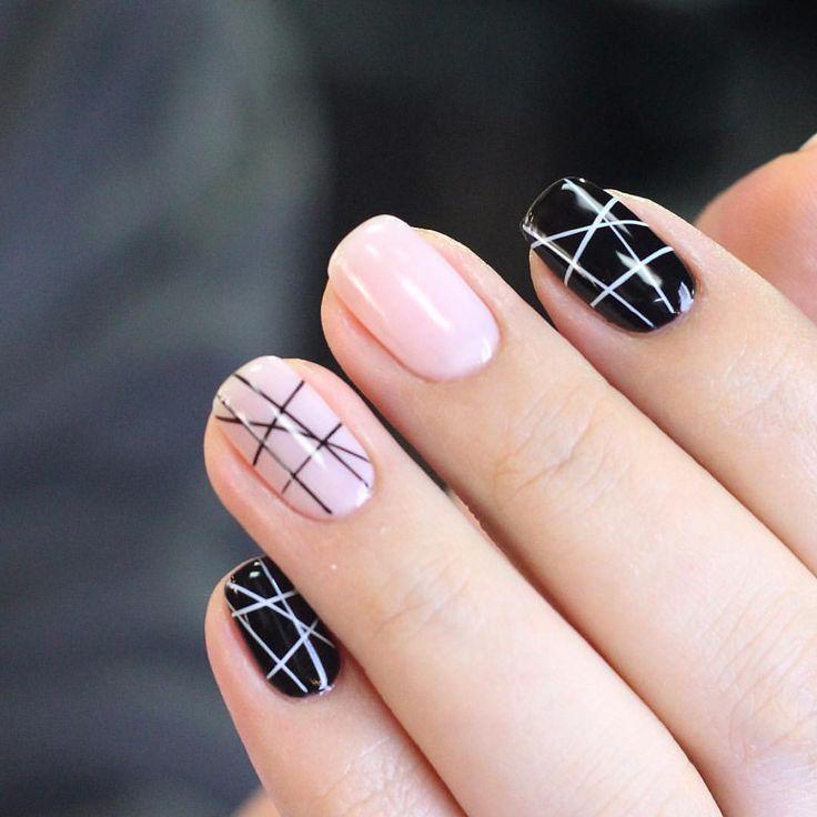 Minimalist geometric nail design