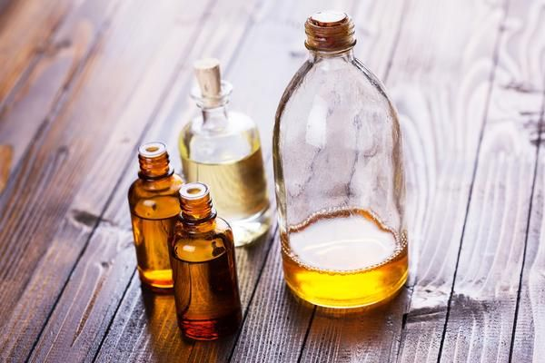 WHY YOU SHOULD BE USING FACE OILSFace oils have been used by humans for centuries throughout the world to treat skin,our early ancestors knew and understood thebenefits of plant oils developing powerful concoctions to treat and protec...
