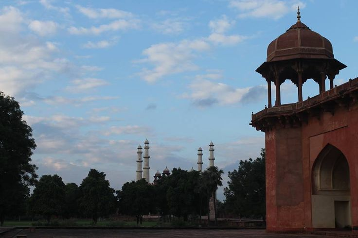 Explore Agra on a Cycle | Padhaaro