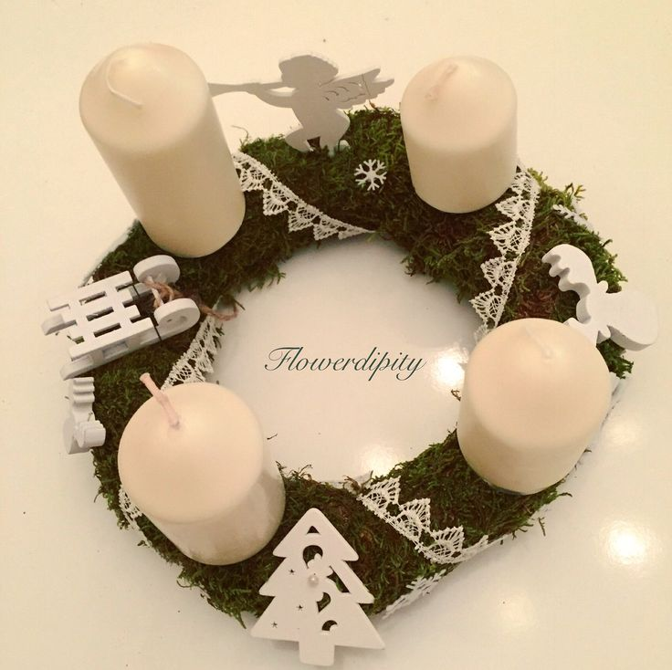 White Christmas  #white #flowerdipity #adventskranz #candles #christmas #wreath #wooden #decorations