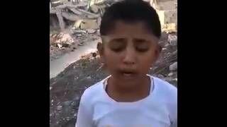 Baba ile evladı yıkılan evlerinde ahıt yakıyorlar