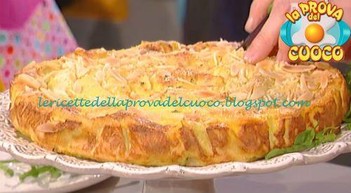 Torta arrotolata di crepes salate ricetta Natalia Cattelani da Prova del Cuoco