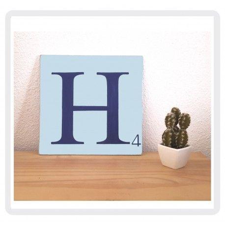 lettre scrabble H en bois patiné bleu