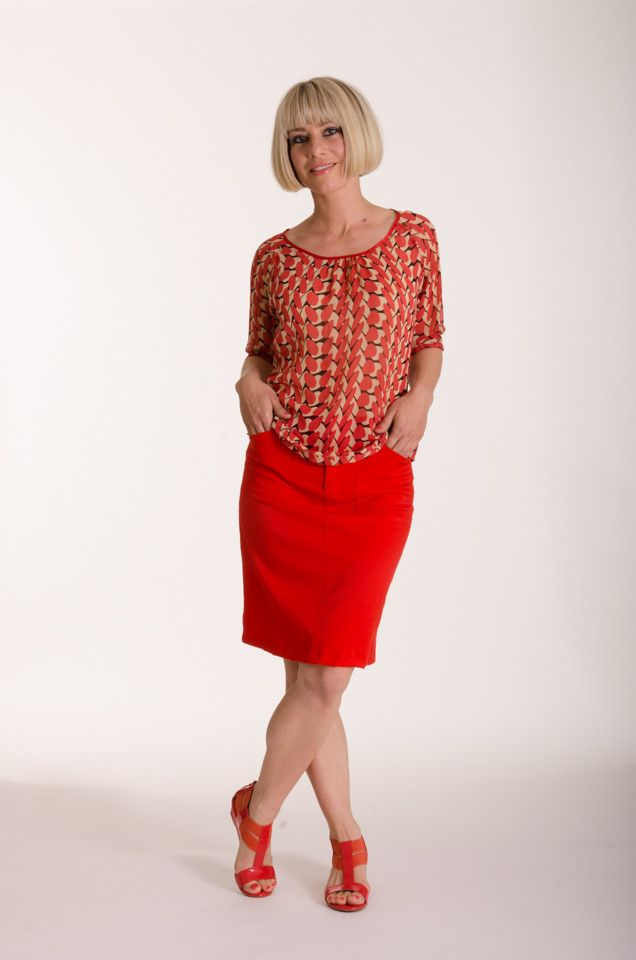 Silk top in Lipstick print with gather detail at centre front and bound with satin edging | Made in New Zealand by Moa