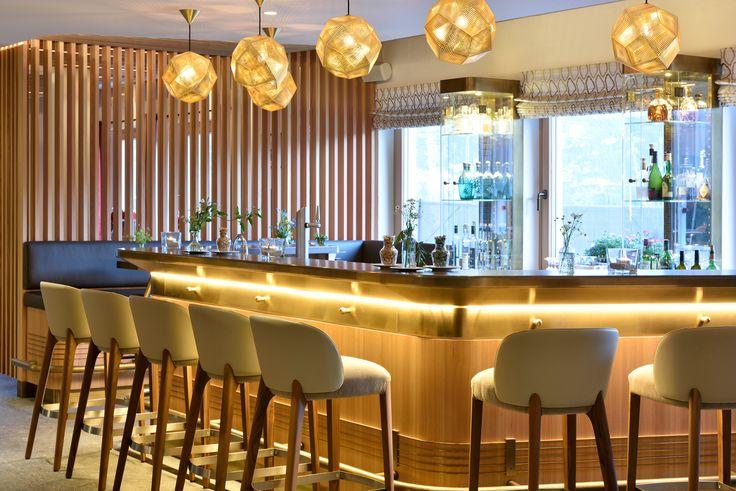 Hotel Bar mit traumhaftem Ausblick auf die Lecher Bergwelt #Lech #Arlberg #Skiurlaub