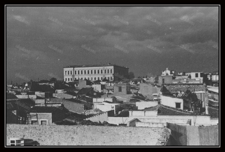 https://flic.kr/p/JgySwF   Το κτίριο του Χατζηκυριάκειου Ορφανοτροφείου Θηλέων Πειραιά.