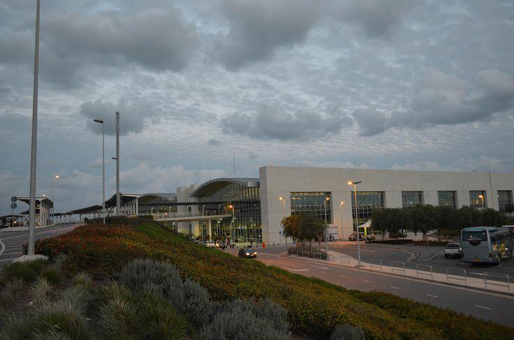 Larnaka Uluslararası Havalimanı
