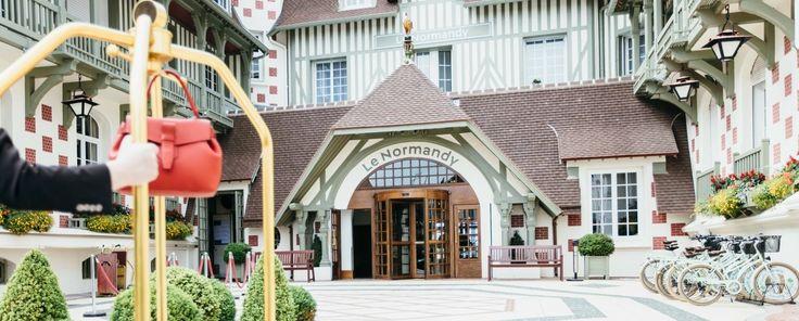 L'Hôtel Barriere Normandy de Deauville, est un des palaces de charme du groupe Barriere. Profitez d'un séjour inoubliable avec toujours plus de moments à vivre en famille, en amoureux, entre amis dans les hôtels Barrière