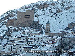 Alcalá de la Selva  y La Virgen de la Vega, Sierra de Gúdar, Teruel , Aragón.       Queremos presentaros el lugar en el que, desde hace a...
