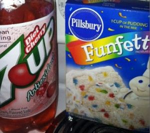 Funfetti cupcakes - 2 ingredients, funfetti cake mix and diet cherry 7up