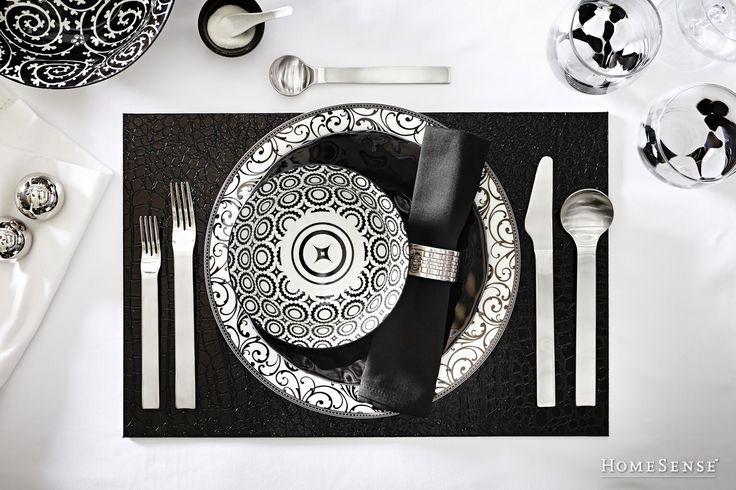 Black and white place setting. #dining #entertaining #ideas #dinnerware /Accessoires de table noirs et blancs #salleàmanger #amusant #idées #vaisselle  Enter Contest: http://www.HomeSense.ca/HomeSenseStyle Participer: http://www.homesense.ca/fr/pinterest-contest.asp  #HomeSenseStyle