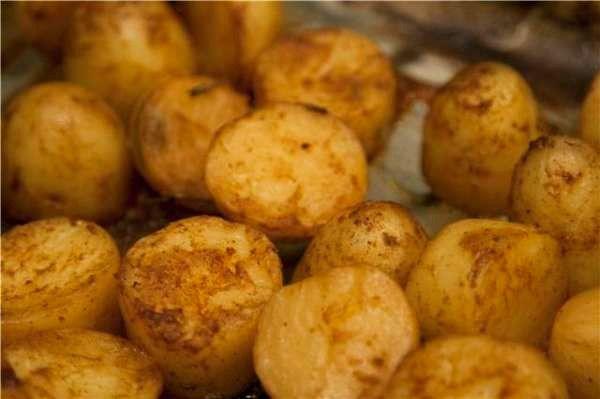 Καραμελωμένες πατάτες φούρνου! Caramelised roast potatoes!