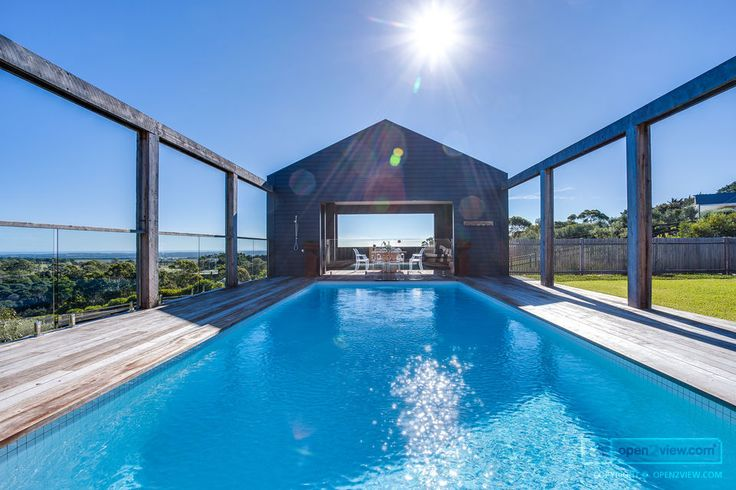 Luxury. That's the only word to describe this Mornington Peninsula property.