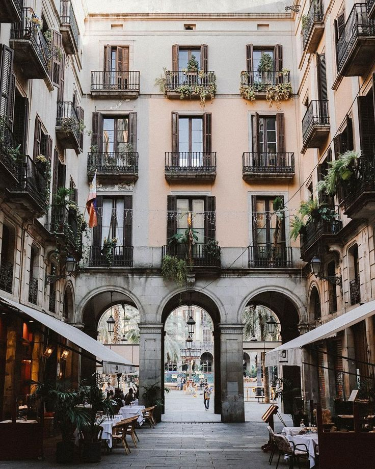 Barcelona, Spain | Bon Traveler