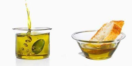 Rimedi naturali: 10 utilizzi alternativi dell'olio di oliva