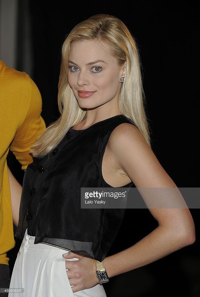 Actress Margot Robbie attends a photocall and press conference for...