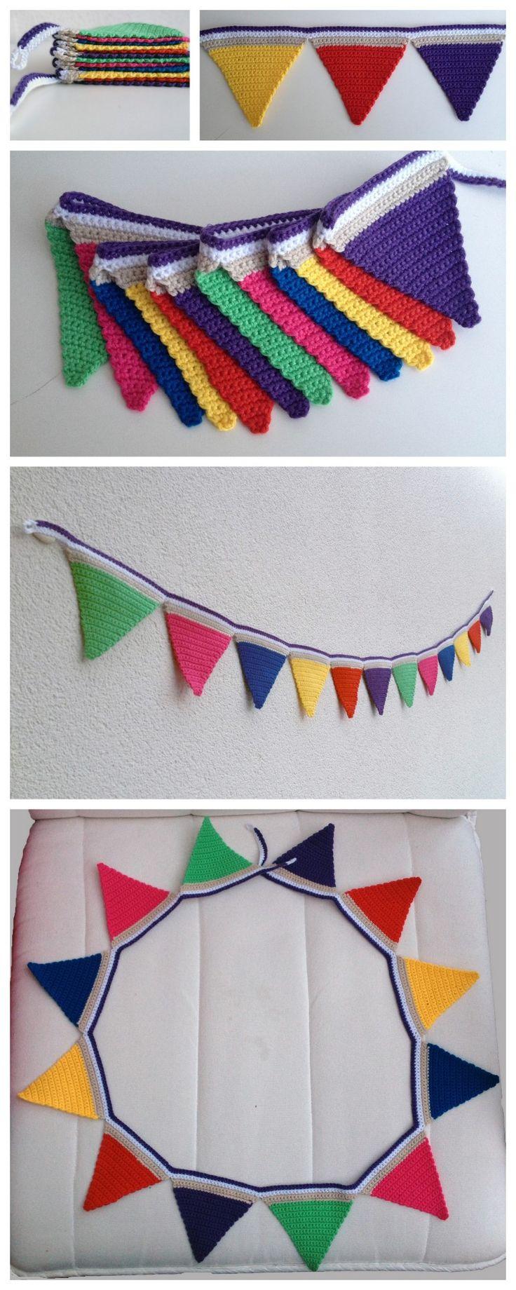 Deze vlaggenlijn is gehaakt met 8 verschillende kleuren haakgaren. Wit, creme, geel, rood, fuchsia, paars, groen, donkerblauw. Kan op handwas gewassen worden.  De slinger is 1,25 m lang.  Vlaggetjes zijn 10x10x10 cm.  De slinger is op allerlei manieren te gebruiken. Denk hierbij aan een verjaardag, ter versiering van een kinderkamer, verfraaiing van een boomhut, in de speelhoek, in de kleuterklas, enz.