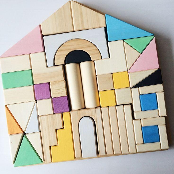 Дом - деревянный конструктор