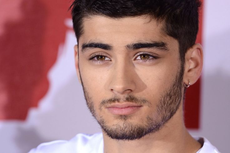 Zayn Malik sur le point de quitter les One Direction… : http://www.gossiponline.fr/actu-people/article-0212-zayn-malik-sur-le-point-de-quitter-les-one-direction.html