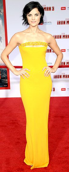 Jaimie Alexander: Iron Man Premiere. Now I am not a fan of strapless dresses but this one is  Snazie!!!