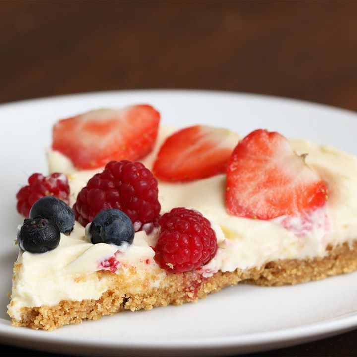 awesome No-Bake Chocolate and Berry Cheesecake (via Proper Tasty)No-Bake Chocolate and B...