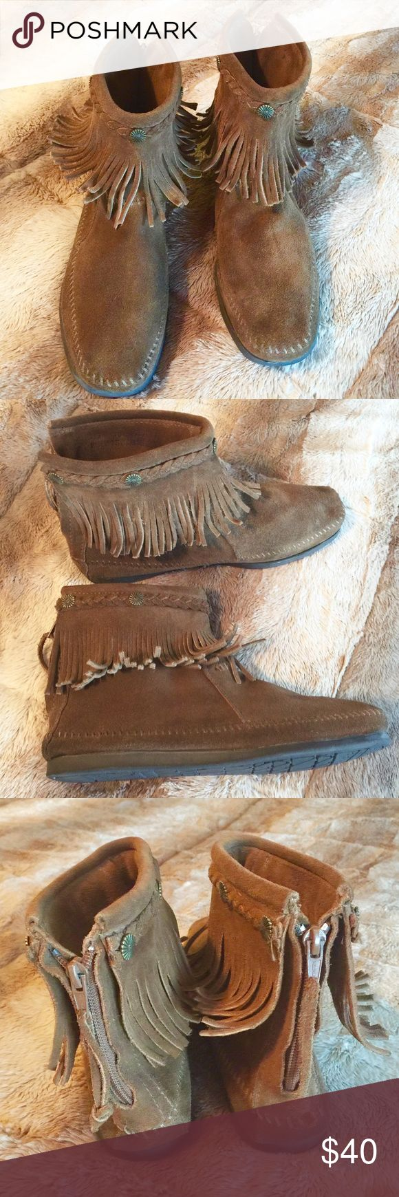 "Minnetonka Double Fringe Suede Moccasins Boots 10 Minnetonka Hi Top Side Zip Double Fringe Suede Dusty Brown Chukka Boots. Size 10. Only worn twice. Mint condition. Bottom sole measures 10 1/2"" long. No trades please 💕 Minnetonka Shoes Moccasins"