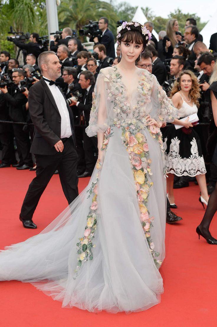 Fan Binbing, égérie L'Oréal Paris, en robe Marchesa, et bijoux Chopard