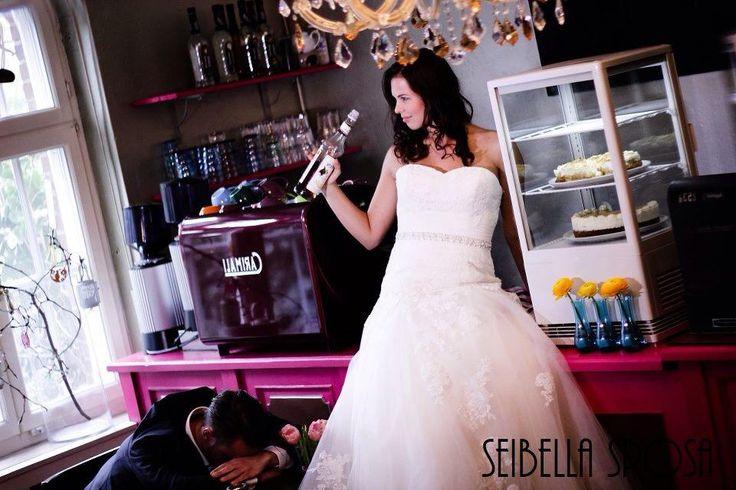 Trouwen #bar #gek #out-of-the-box #trouwen #bruiloft #bruidsfotograaf #bruidsfotografie #liefde #wedding #weddingphotographer #photographer