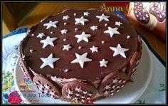 TORTA PAN Di STELLE RICETTA DI: ANNA GABY COLÌ Ingredienti per la base: 300 gr di biscotti Pan di stelle 100 gr di burro Ingredienti per la farcia: