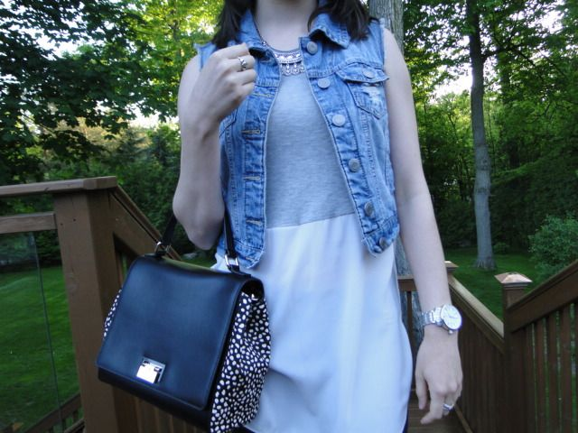Detailed shot of the running errands outfit now posted on #collegefashionista