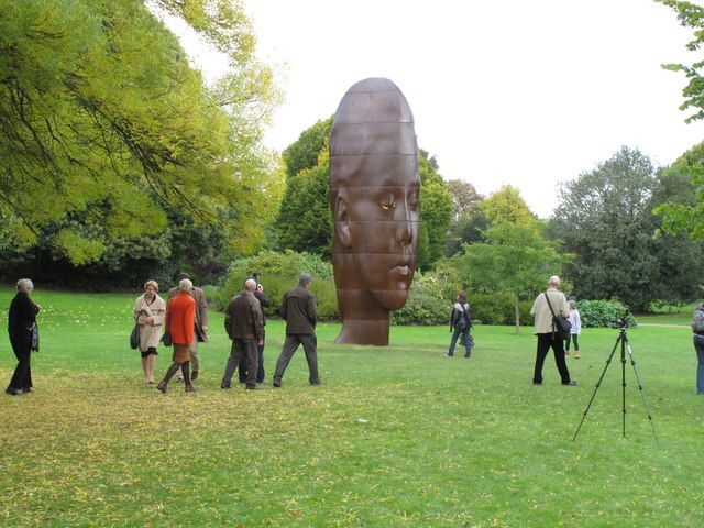 Frieze is returning to Regent's Park, 15–18 October 2014 with over 160 galleries and leading national and international art dealers to show off cutting edge art.  http://bit.ly/1w1kpmD