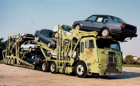 FREIGHTLINER - Motor Convoy with VWs