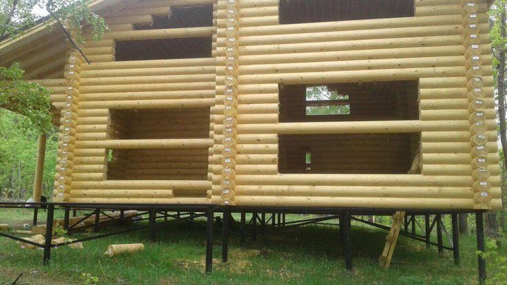 http://www.flagman-rf.ru  Основное назначение винтовых свай – устройство быстровозводимых и экономичных фундаментов для лёгких хозяйственных построек и деревянного домостроения в индивидуальном строительстве. Категория строения предопределяет типоразмер винтовой сваи. Основные типоразмеры для частного домостроения: СВ89х250, СВ108х300, СВ133х350, где первая цифра означает диаметр ствола (мм), а вторая – диаметр лопасти винта. Примерное распределение назначения сваи в зависимости от диаметра…