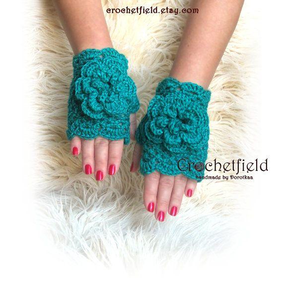 Emerald green Crochet Mittens with Flowers by Crochetfield on Etsy
