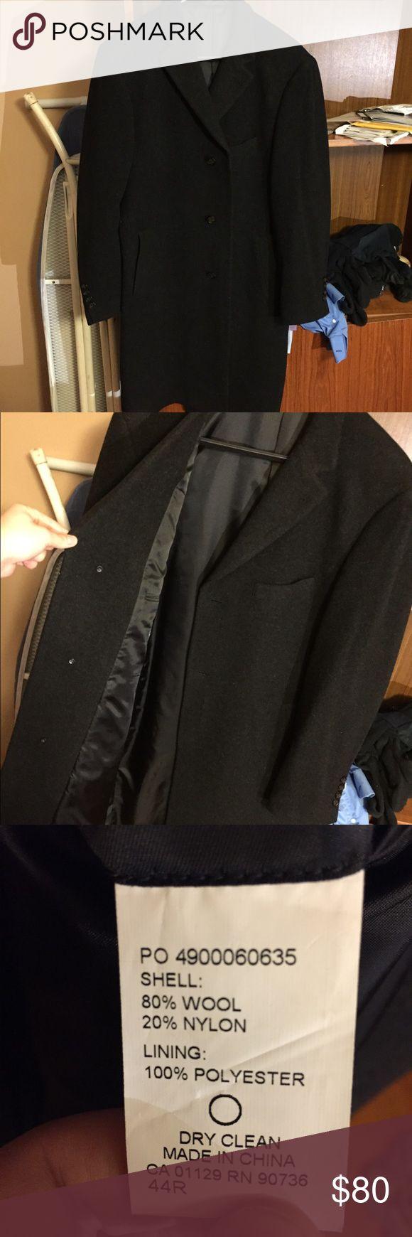 Ralph Lauren Topcoat Wool Overcoat Very nice Ralph Lauren Men's Topcoat Wool Blend Columbia Overcoat. Size 44R. Worn twice. Perfect condition. Brand new, without the tag. Color is Charcoal. :) Lauren Ralph Lauren Jackets & Coats Pea Coats