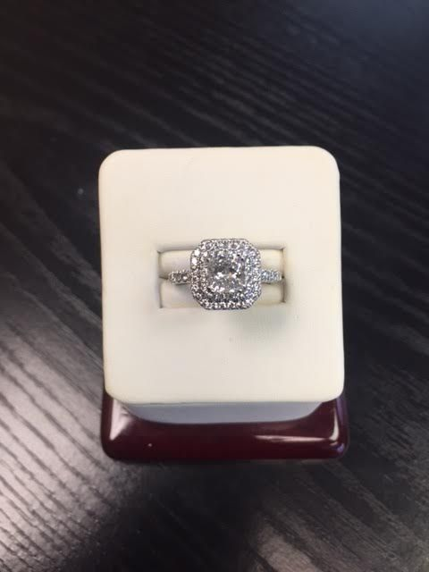 Another customer leaves satisfied as this beautiful 14k white gold diamond engagement ring finds a home.
