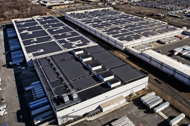 Amazon begins large-scale rooftop solar installation across its warehouses | Via - TechsNGeek.com